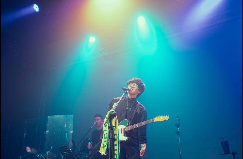 ▲盧廣仲在台中的春季巡迴演唱會上演唱首唱新歌《明年》。(圖/添翼創越工作室提供)