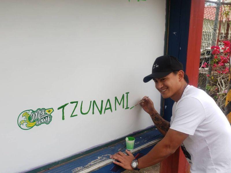 MLB/林子偉返那瑪夏參與教堂修繕 彩繪寫下「TZUNAMI」