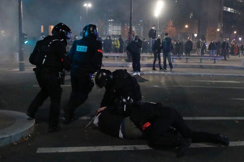 法國警方施暴攝影記者 無國界記者組織抗議