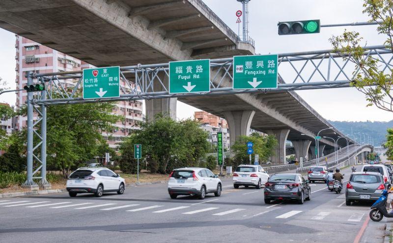 ▲74號道路潭子匝道和興建中的國道4號豐潭段,未來可直上國道1號與3號,南北更暢行。(圖/建商提供)