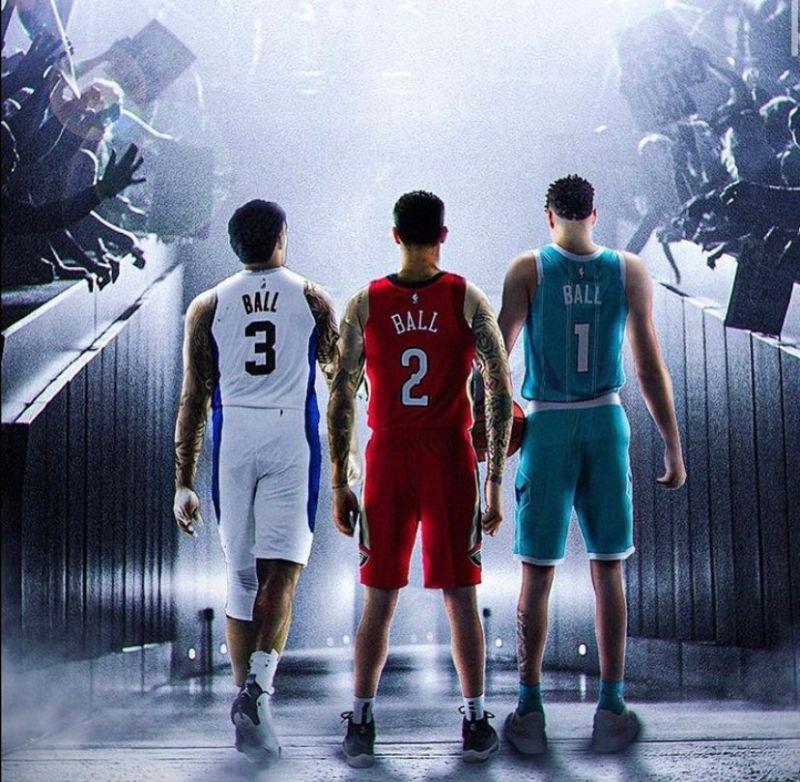 ▲球家三兄弟都拿到NBA合約。(圖/取自LaVar