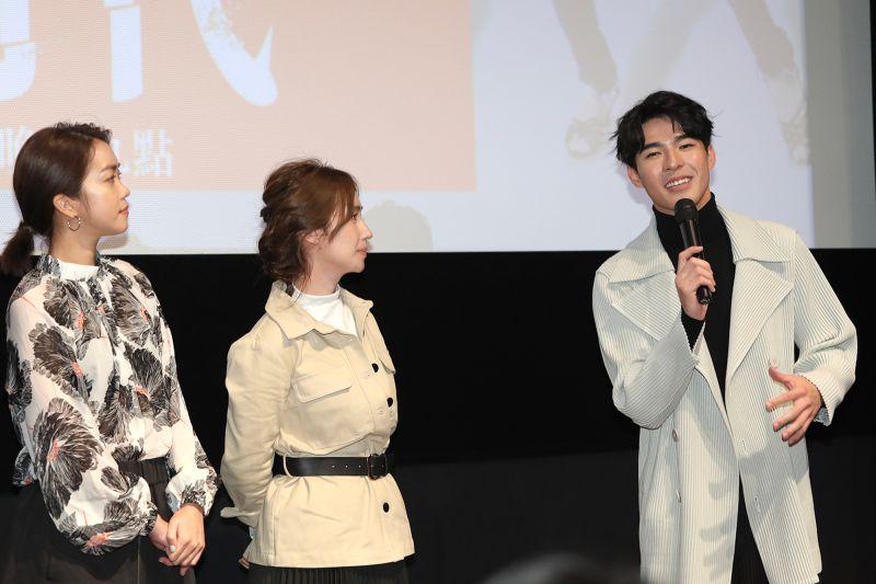▲陳昊森(右)表示一直很想嘗試不怕醜的角色。(圖