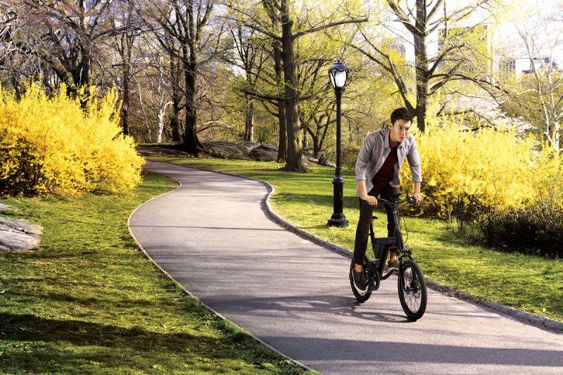 騎自行車最潮! <b>BESV</b>展現科技工藝美學 行動不費力