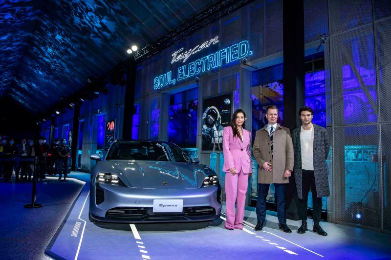 ▲A-Lin(左)、鳳小岳(右)出席跑車新品發表會。(圖/Porsche提供)