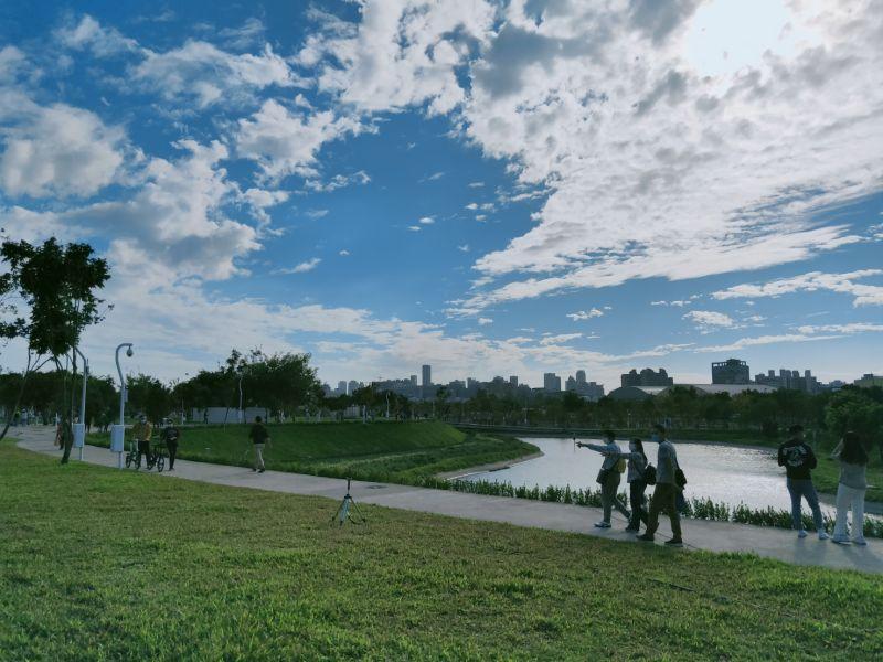 ▲中央公園規劃5座滯洪池調節水源、平衡生態景觀(圖/柳榮俊攝2020.12.6)
