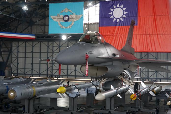 軍武/升級型F-16V戰機 漢翔預計年底前交機22架
