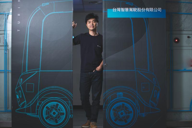 ▲台智駕持續不斷在無人巴士在各個場域的應用,也會聚焦在掃地車、高爾夫球車,甚至是農耕車等利基市場所需的多元載具市場。圖片來源:台灣智慧駕駛公司。