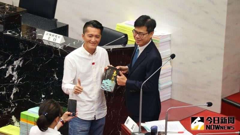 預言陳其邁「未來50年最偉大市長」 藍議員諷:假消息嗎