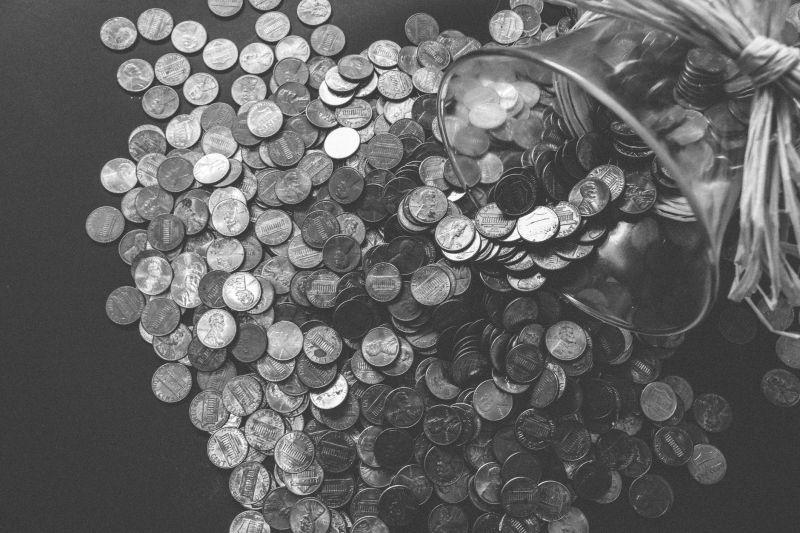 衝診所付「6枚硬幣」遭拒!藥劑師冷回:最低只收10元的