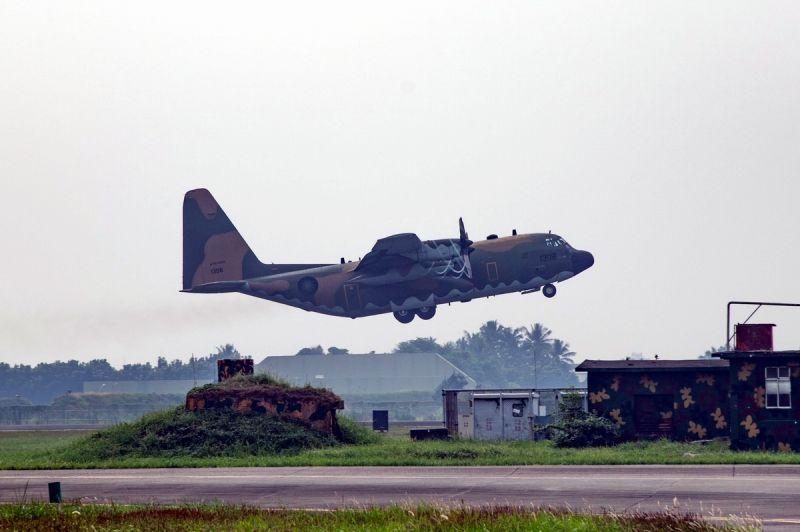 空軍第六混合聯隊 執行「空中人工增雨」作業