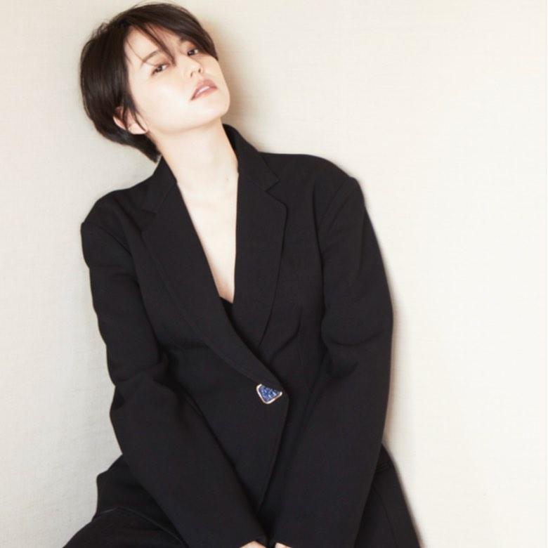 ▲短髮的長澤雅美俏麗可人。(圖/masami_nagasawa