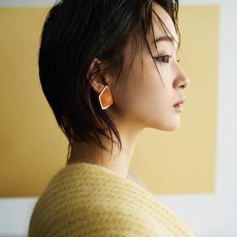 ▲剛力彩芽為戲落髮,後多以短髮示人。(圖/ayame_goriki_official
