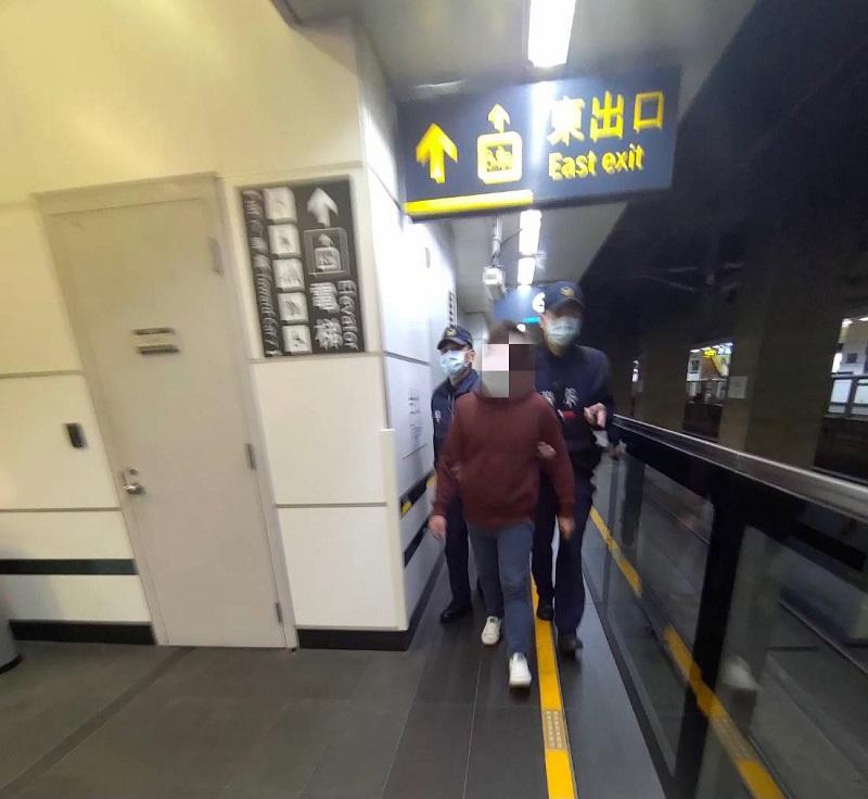 大甲警聯手高鐵警追假警 在台北車站截回80萬