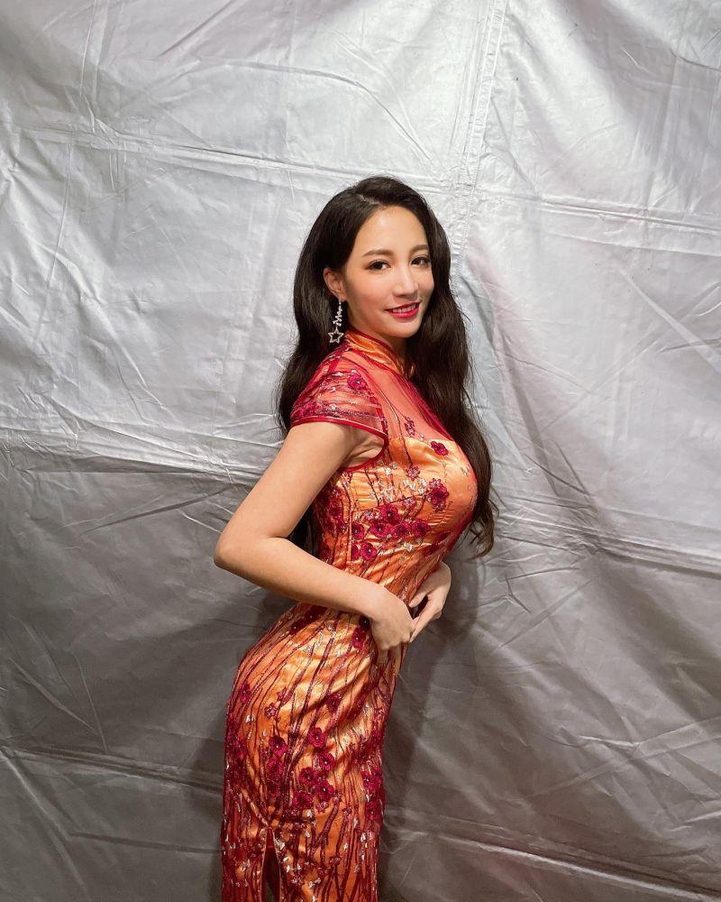 ▲林采緹駕馭旗袍造型。(圖/林采緹臉書)
