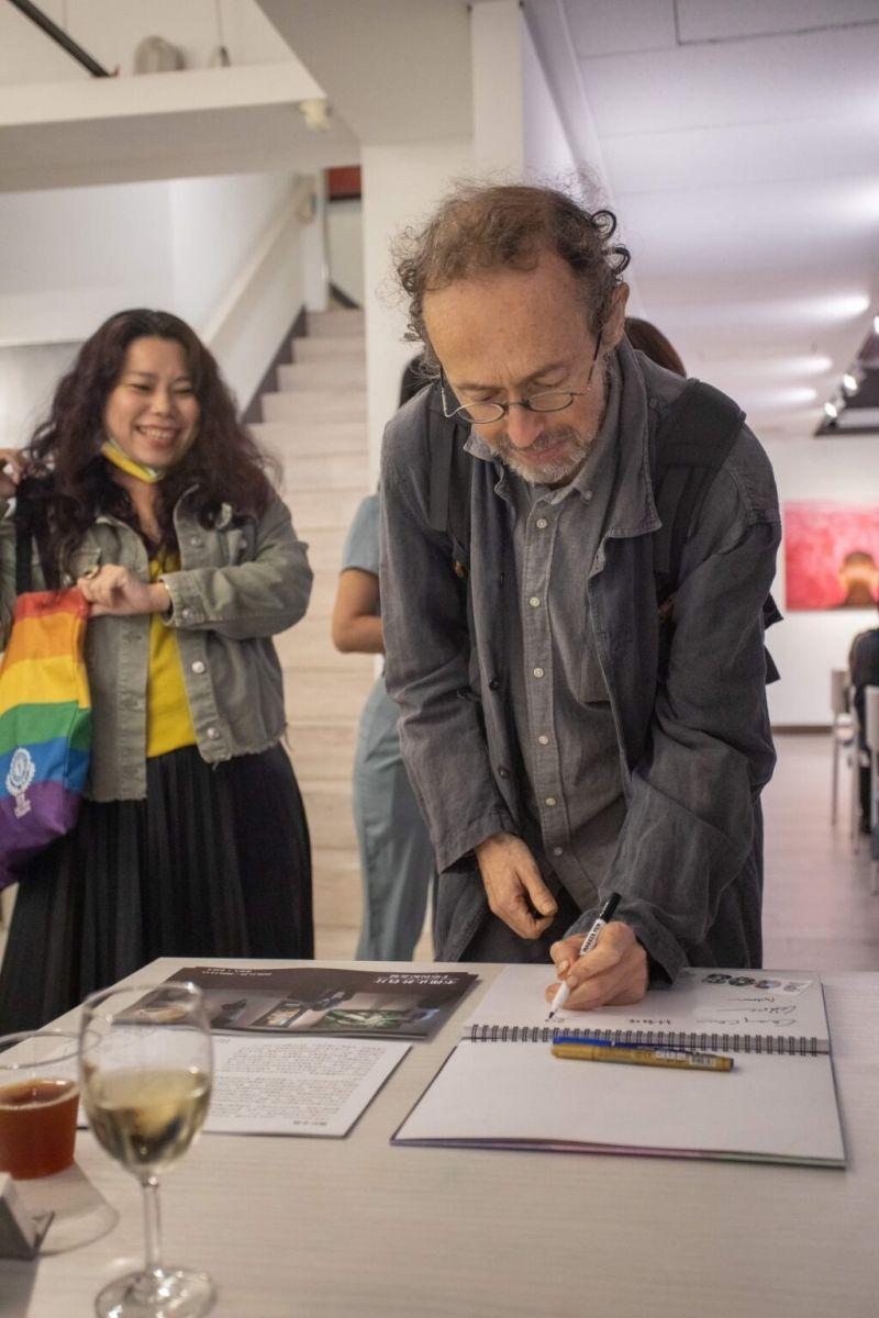 ▲法籍藝術家歐笠嵬也蒞臨現場,參加周日的開幕式活動