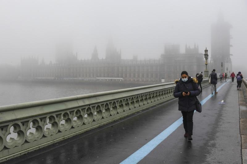 ▲英國疫情未見緩和,10日新增2萬694人確診。英格蘭公共衛生署(PHE)數據顯示,倫敦的感染率在截至6日當週為全英格蘭最高,未來恐被調整為最高警報等級。(圖/美聯社/達志影像)