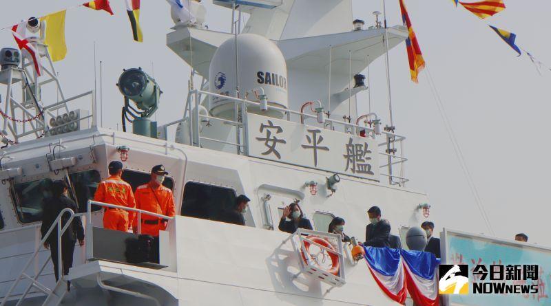 總統登「安平艦」視導造艦成果 越界抽砂問題絕不寬貸