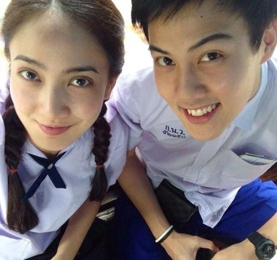 ▲現為泰國三台旗下藝人的娜塔玻(左)現年31歲,從17歲開始便和曾是演員的Ton
