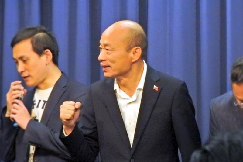 前高雄市長韓國瑜在中天電視台下架的前一夜錄製影片表達心聲,他指出中天是因為得罪執政黨才會被撤照。(圖/記者陳弘志攝)