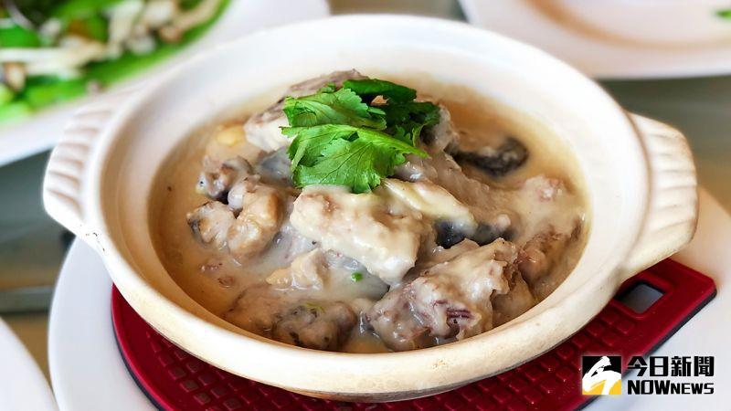 ▲「皇樓中餐廳」推出9款道地港式風味的煲仔「住家菜」。(圖/記者陳美嘉攝,2020.12.12)
