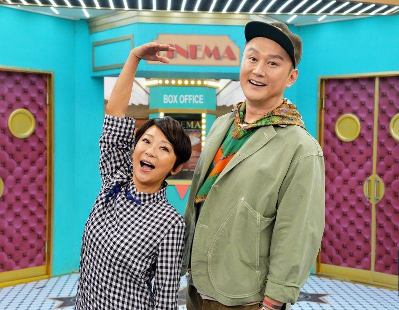 ▲何篤霖(右)與曹蘭同期發片。(圖/衛視提供)
