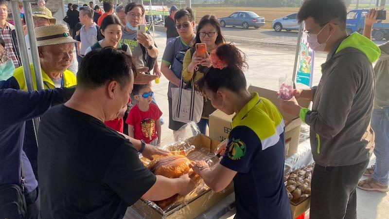台版感恩節 嘉義農村辦桌推廣火雞肉大餐