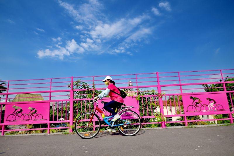 ▲潭雅神綠園道為十大經典自行車道景緻幽美,適合闔家出遊、運動體驗(圖/觀旅局提供2020.12.16)