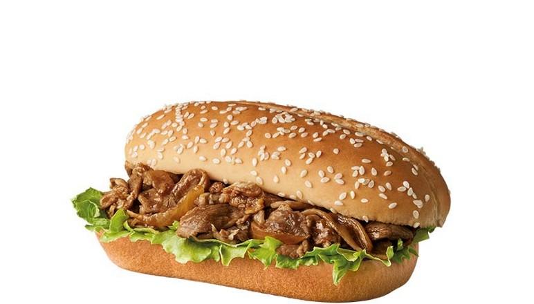 ▲薑燒豬肉長堡也獲得不少好評,特別是豬腹肉與洋蔥大火拌炒,讓豬肉的香甜味四溢,搭配醬油與薑燒香的調味,讓豬肉吃起來更順口,同樣再搭配爽脆的生菜,充足的肉片,讓消費者吃下去的每一口都能大大滿足。(圖/麥當勞官網)