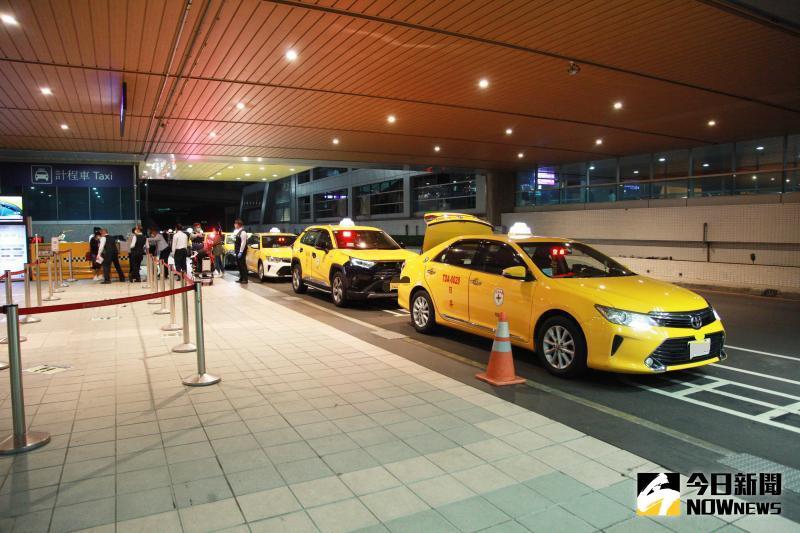 ▲在台灣大街小巷,都可以看到的亮黃色的計程車穿梭載客。示意圖與內文無關。(圖/記者李春台攝)