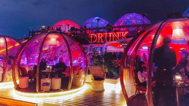 ▲信義區超夯的打卡玻璃屋酒吧「Drunk