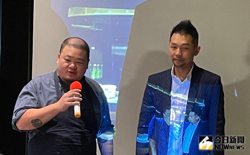 ▲蘭餐廳主廚李信男(左)擔任零食品牌年度代言人,也釋出以「頂尖對決」為題拍攝的影音廣告。(圖/記者黃仁杰攝)