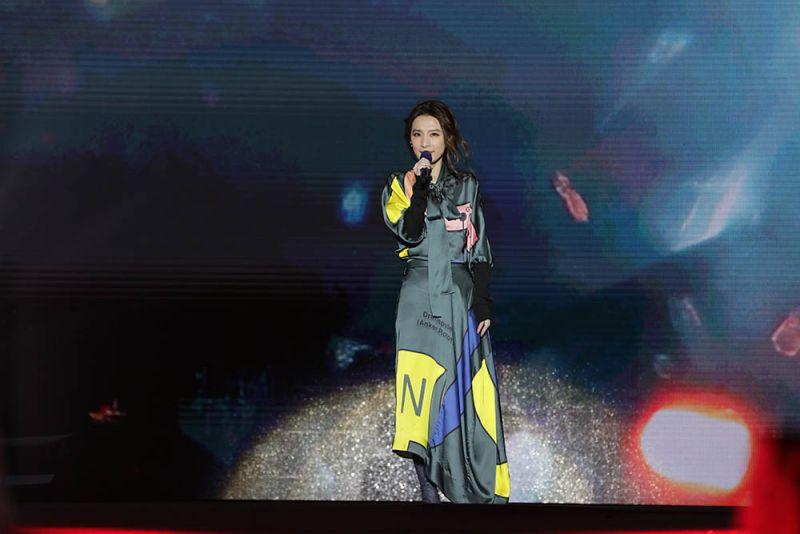10萬樂迷擠爆市府 台南浪漫情歌夜安可尖叫不絕於耳