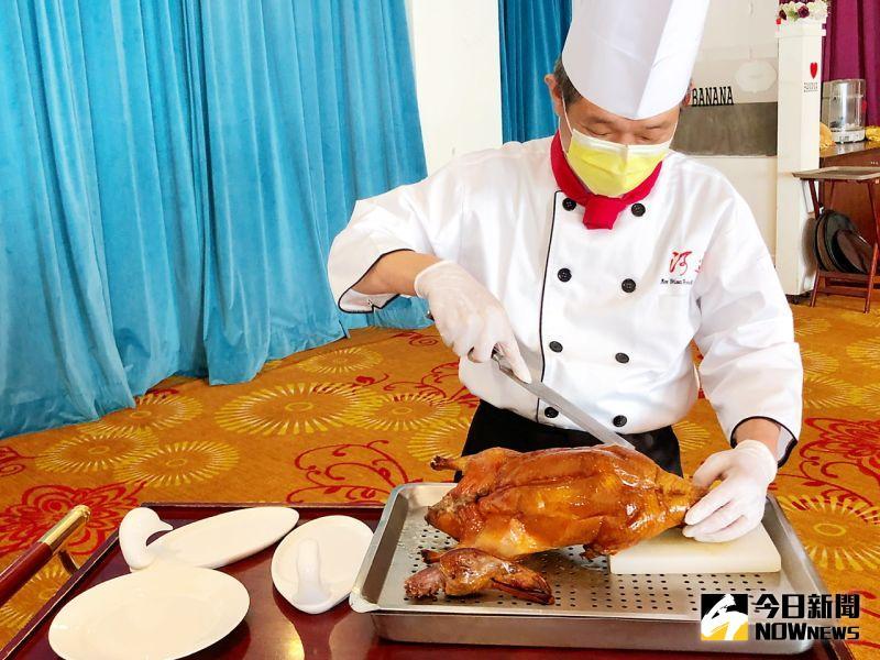 ▲「便宜坊烤鴨餐廳」主打「1416百年燜爐黄金鴨」。(圖/記者陳美嘉攝,2020.12.20)