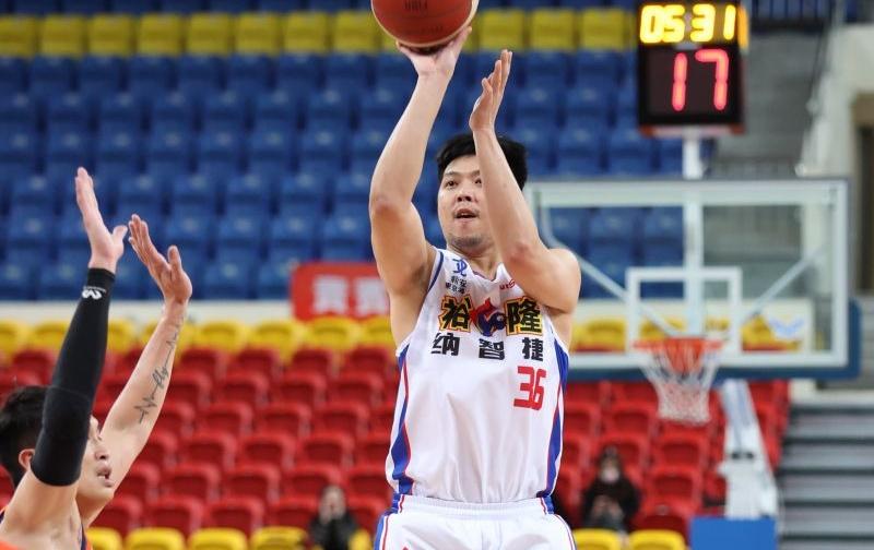 裕隆老將林宜輝打出回春表現,飆出生涯新高32分,獲選為第三周SBL最佳球員。(圖/中華籃協提供)
