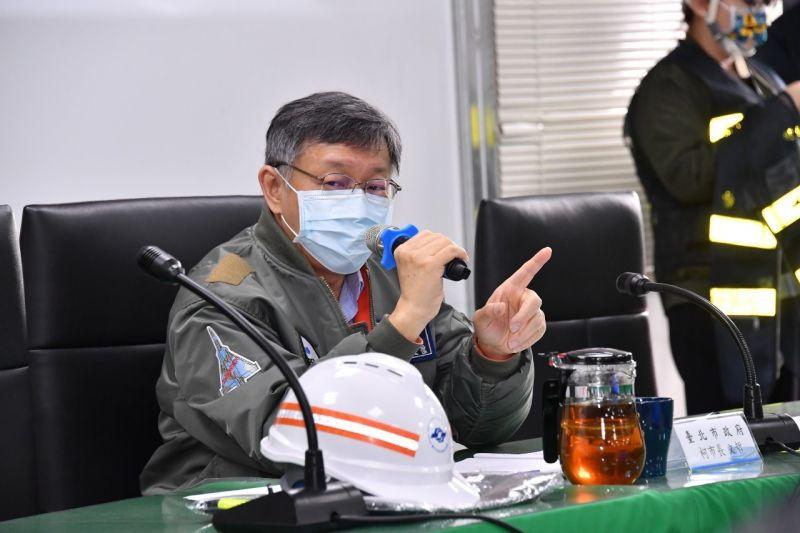 針對台中捷運綠線車廂連結器,疑似是因為陸製而造成斷裂問題,台北市長柯文哲受訪時強調,無論是哪裡製造,重點還是要認品牌,日商川崎公司要對此負責。