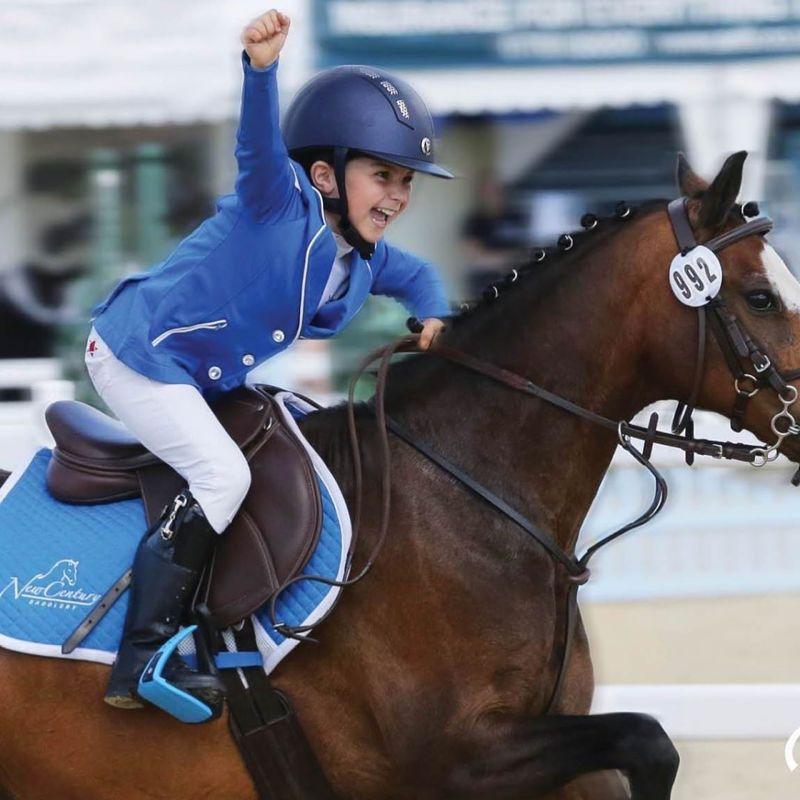 ▲▼莉莉艾斯貝兒親自練習騎馬障礙賽。(圖/莉莉艾斯貝兒IG)