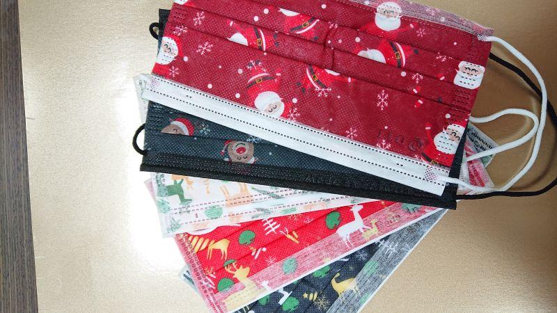 台大新竹生醫分院聖誕點燈   企業捐贈2.2萬片醫護口罩
