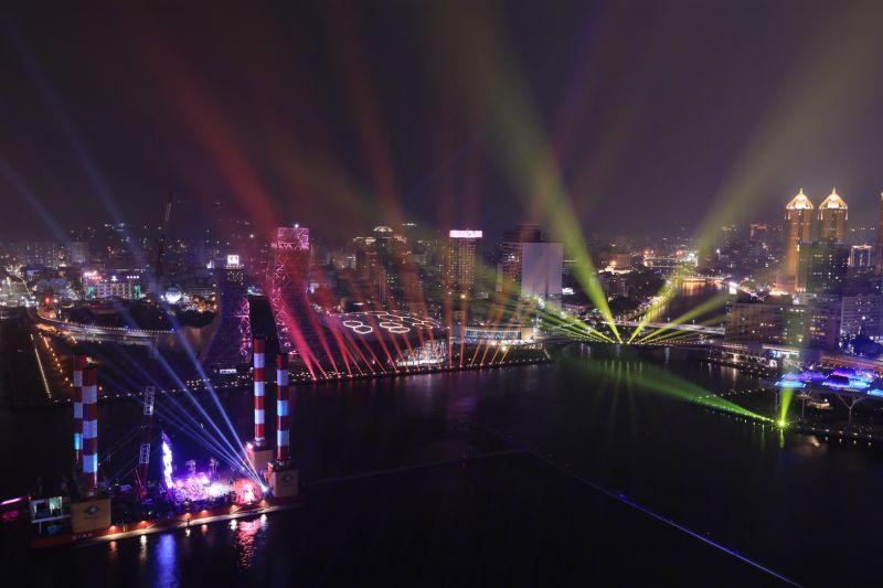 高雄「2021跨百光年」正式啟航 陳其邁:住在高雄很幸福
