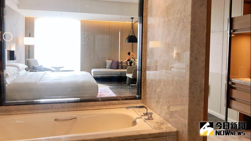 ▲酒店規劃700間寬敞舒適客房及套房,房內空間介於14坪到98坪。(圖/記者陳美嘉攝,2020.12.25)