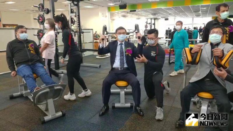 ▲許志宏說,以康動中心開啟「鹿港健康年」,希望提供長輩們一個專業的運動健身環境,讓全民都健康。(圖/記者陳雅芳攝,2020.12.