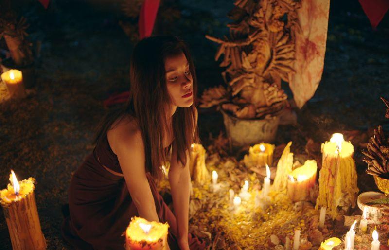▲▼女主角樂蓋蒙品樂基齊拉希(上圖,下圖左),被培養成女巫。(圖/車庫)