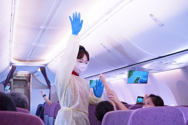 指揮中心實施清零專案 調整華航機組員居家檢疫