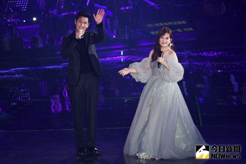 梁靜茹在台北小巨蛋的「202020當我們談論愛情」世界巡迴演唱會首場,邀來周興哲擔任嘉賓。(圖/記者林調遜攝, 2020.12.26)