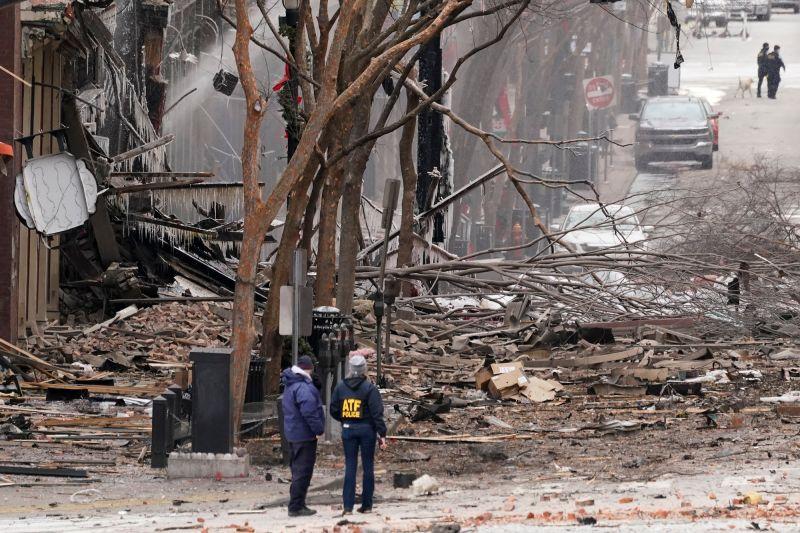 ▲美國田納西州納許維爾(Nashville)巿中心於聖誕節上午發生露營車爆炸事件,警方已經鎖定當地1名63歲男子為嫌犯。(圖/美聯社/達志影像)