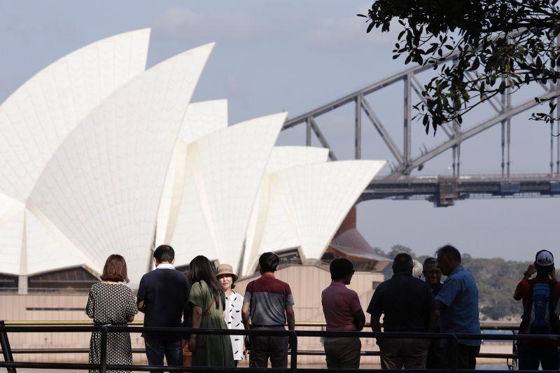 ▲澳洲雪梨COVID-19單日確診病例今天又創下新高。(圖/美聯社/達志影像)