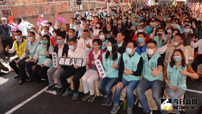 ▲台灣民眾黨嘉義總服務處開幕儀式充滿喜氣洋洋的歡樂氣氛。(圖/記者郭政隆攝影2020.12.27)