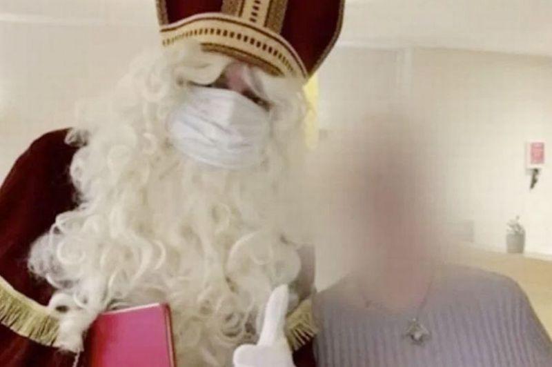 ▲聖誕老人染疫造成養老院群聚感染。(圖/翻攝自比利時廣播電視公司VRT)