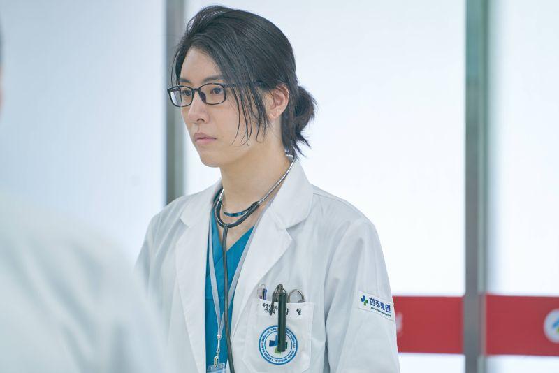 ▲魯敏宇劇中是醫生也是殺人魔。(圖/中天)