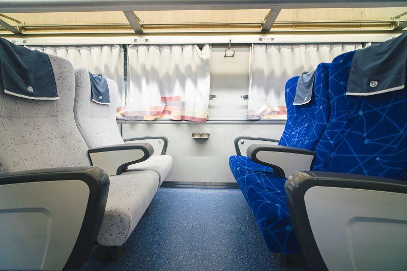▲鳴日號採全商務車廂配置。(圖/雄獅旅遊)