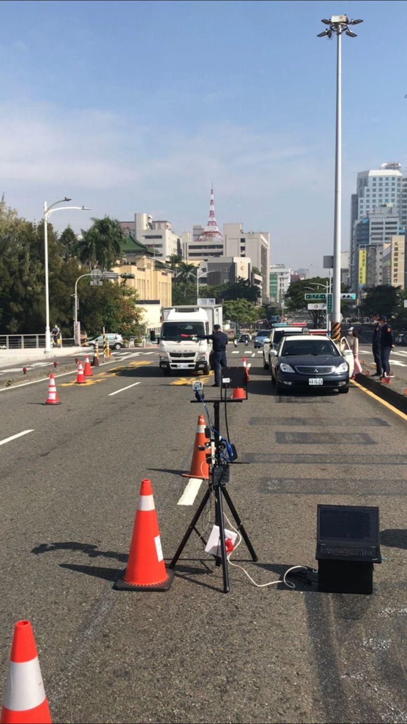 ▲高雄市警局將於中正、七賢、建國橋運用車輛辨識系統,該系統可於1秒內辨識出是否為當地車輛,加速交管效率、減緩交通衝擊。。(圖/高市府提供)
